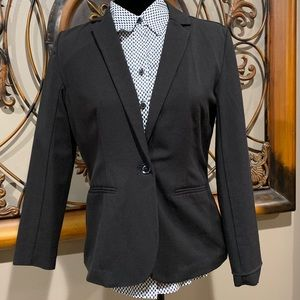 Sleek Black blazer one button
